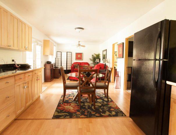 Vacation Rental, HI Kitchen and Living Room